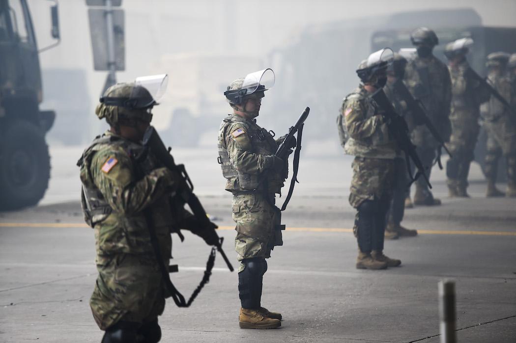 Протесты в США подогреваются экономическим кризисом и социальной несправедливостью