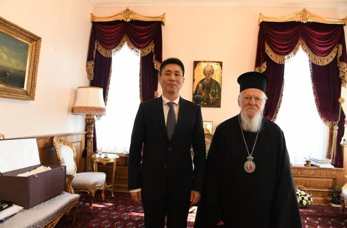 Chinese consul in Istanbul first visited Patriarch Bartholomew at his residence