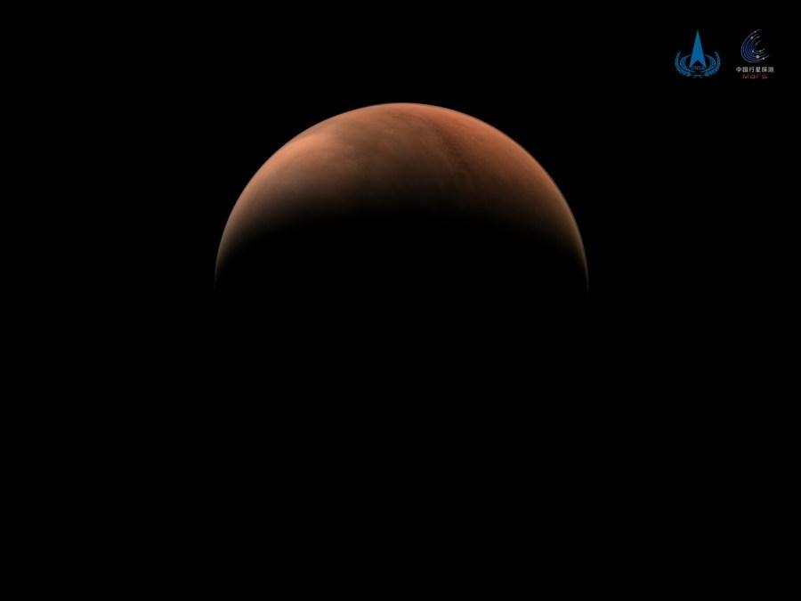 Китайский марсоход достиг поверхности Красной планеты