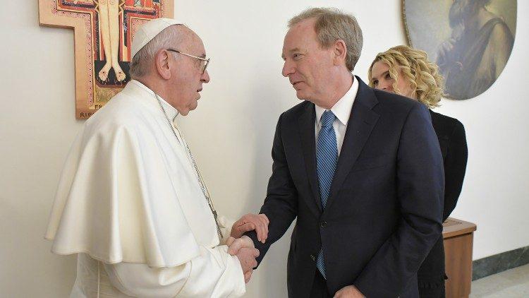 Ватикан и Майкрософт учреждают премию по этике искусственного интеллекта
