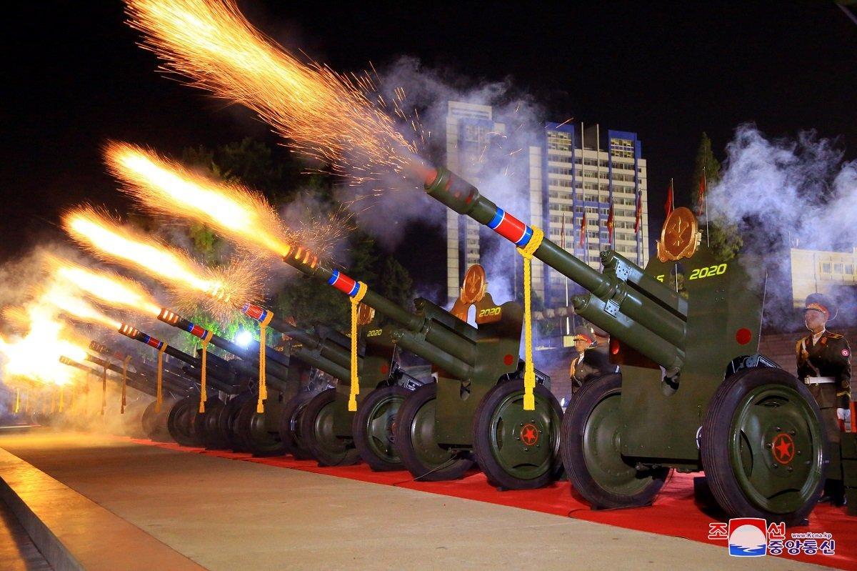 Парад на честь 75-річчя Трудової партії Північної Кореї підніс сюрприз