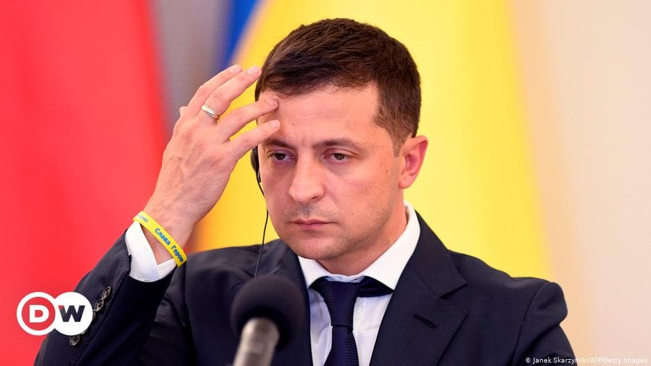 V. Zelensky turned off three Ukrainian TV channels, Ukraine began to buy electricity from Russia: Top 5 events of the week