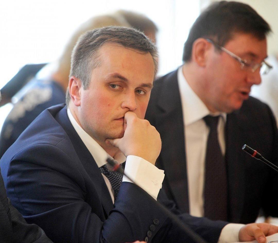 Умер Патон, Холодницкий подал в отставку: Топ-5 событий недели